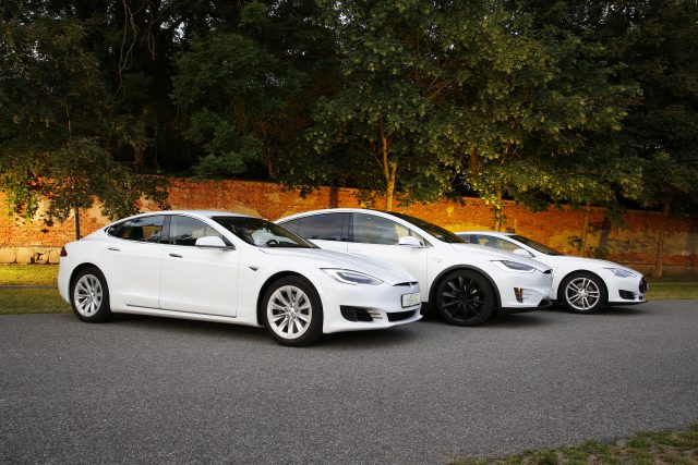 Tesla Models S (Old & Newface)und Model X