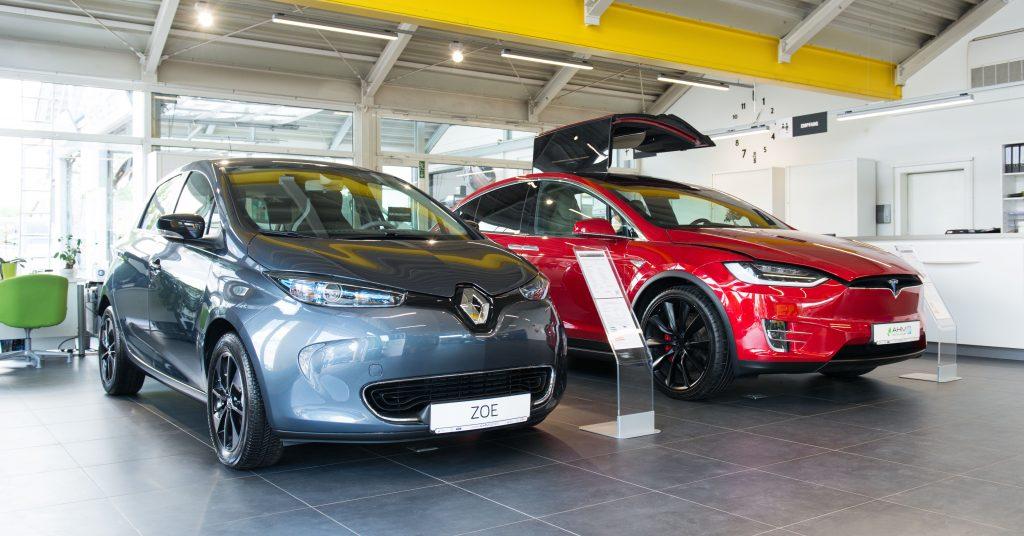 Elektrofahrzeuge mit ecar-rent und Autohaus Müller.